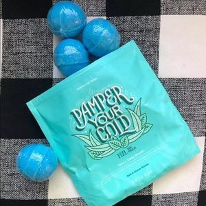 One Perfectly Posh Pamper your Cold bath bomb